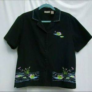 Jane Ashley Tops - Jane Ashley embroidered frog buttonup